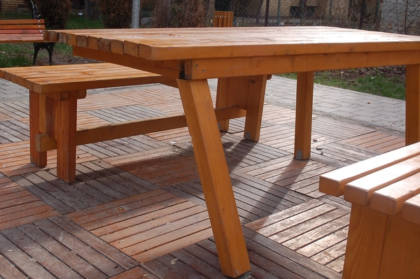 Choose Wooden Deck Material