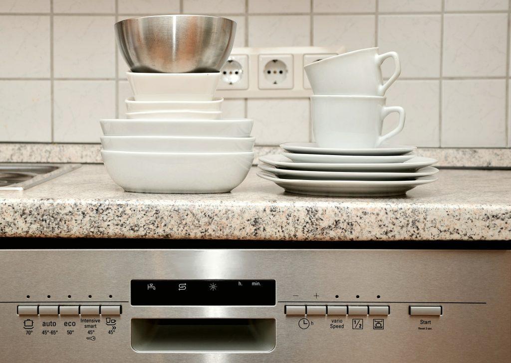 Eco-Friendly Dishwashing Machine