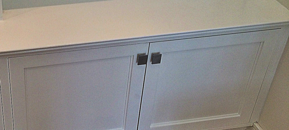 Cabinet Knobs, Pulls And Handles